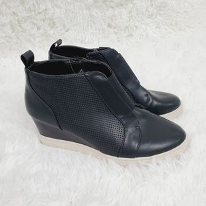 a new day Black Kolie Wedge Sneakers
